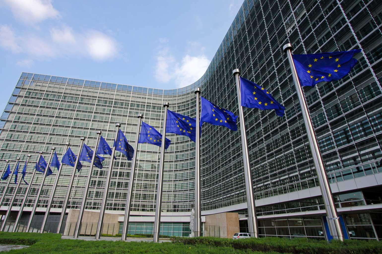 Voorzitter Europese Commissie uit zorgen over antisemitisme: 'Onwetendheid is gevaarlijk'
